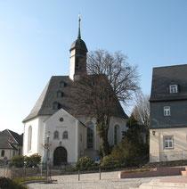 Blick auf die Kirche in Bernsbach