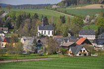 Blick auf die Kirche in Raschau
