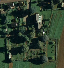 Luftaufnahme vom Friedhof in Pöhla