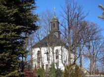 Blick auf die Kirche in Schwarzbach
