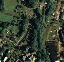 Luftbildaufnahme von beiden Friedhöfen in Elterlein