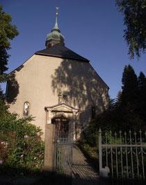 Blick auf die Kirche in Kleinrückerswalde