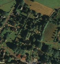 Luftaufnahme vom Friedhof in Raschau