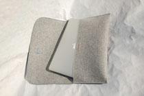 """Foto: Modell Gent 080904. Die Fania Modelle sind """"baugleich"""", abgestimmt auf Tablet-PC- Maße."""