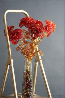 роза из бисера, букет красных роз из бисера
