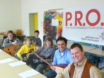 Workshop-Teilnehmer, im Vordergrund Dozent und Musiklehrer Stefan Späth