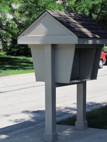 Reconditioned this once deteriorated mailbox station.