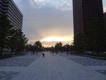 東京駅の前