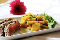 Frisch, knackig und mit dem passenden Dressing wird ein Salat zur Königsmahlzeit