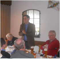 Foto: CDU Beverstedt. v.l.n.r.: Fraktionsvorsitzender Manfred Tönjes, Ministerpräsident David McAllister, Fraktionsgeschäftsführer Wilfried Windhorst