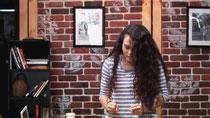 Telekinese-Streich: Mädchen schockt Cafe-Besucher