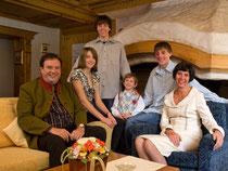 Hoteliersfamilie Anthamatte in Saas Fee im Porträt - Wohnzimmer welweit