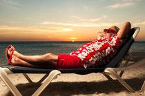 Weihnachten fällt aus - Weihnachtsmann macht Urlaub in der Karibik - Witziges Werbevideo von Curaçao