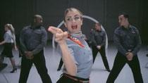 Sicherheits-Video rockt Flug-Passagiere - Tanzende Stewardessen: Fluglinie springt auf Video-Trend