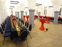 Gewölbesaal in Schwarz...