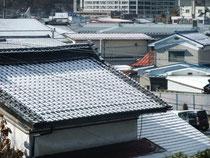 岡谷市内春の雪
