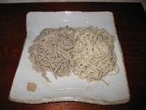 粗挽き蕎麦・抜き実蕎麦