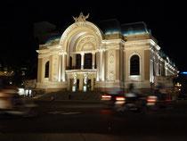 Die elegante Oper von Saigon an unserem letzten Abend in Vietnam