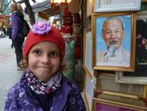 Siena macht Bekanntschaft mit Onkel Ho