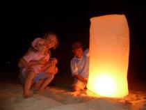 """Unser """"Lucky Balloon"""" am Strand von Koh Lanta"""