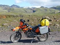 Schotterpiste hinter dem Seljalandsfoss