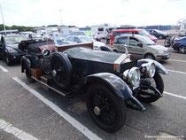 Oldtimer auf dem Weg zu einer Rallye