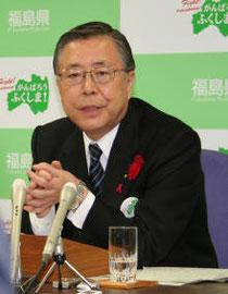 記者会見で福島県内の全原発廃炉を表明する佐藤知事=30日、県庁