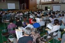 仙台市が東部沿岸地域の復興策の検討状況を報告したまちづくり説明会=20日午前10時10分ごろ、若林区の六郷中体育館
