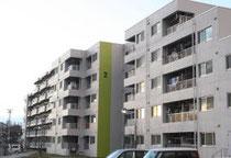 市が整備した鶴ケ谷第一市営住宅。集合住宅型の復興公営住宅の家賃モデルの一つとして、住民説明会で提示している=仙台市宮城野区