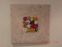 Blumeninsel; Acrylbild mit Kunststoffblumen;