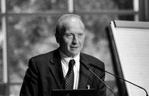 Univ.-Prof. Dr. phil. Dr. med. Michael Kastner Seniorpartner