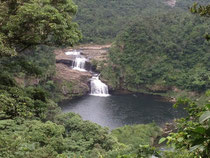 マリュドゥの滝 写真