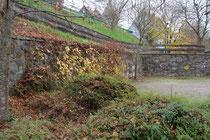 Mauerreste der Hütte, Foto: E. Klein