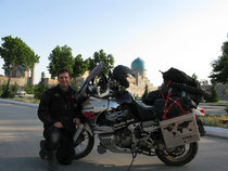 Selbstportrait vor dem Registan