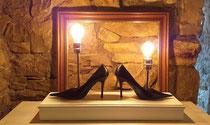 High Heels - egal wieviel Kekse du isst , Schuhe passen immer ! Und  um die richtigen zu finden , ist das doch das perfekte Licht !