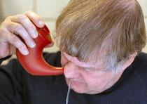 Nasendusche - ein Hausmittel zur Reinigung der Nasenschleimhaut