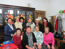 женская группа московской общины и Лоис Кассиди