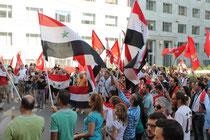 manifestazione contro la guerra in Siria al consolato americano a  Milano