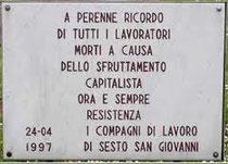Lapide posta dai lavoratori delle fabbriche di Sesto in Via Carducci
