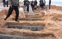 foto di un cimitero Libico spacciato per fosse comuni