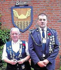 """Belums """"Kaiser"""" Frank von der Heide mit Kaiserin Birgitt Prüß. Foto: Eva Lührs"""