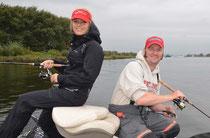 Babs und Juul beim Zanderfischen