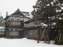 雪の上杉記念館・伯爵邸