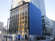 改造中の明治屋ビル