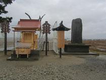 再建された日和山の湊神社