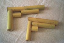 子どもたちの竹の鉄砲。