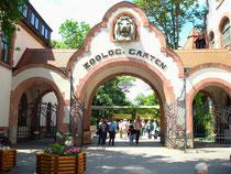 Leipzig Zooeingang mit Tor mit Löwenkopf