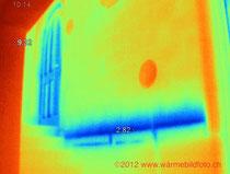 Wärmebildfoto einer Aussenwand von innen