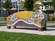 """Voorbeeld van een Social Sofa, geplaatst bij Zorgcentrum """"De Meerstede"""" in Hoofddorp."""