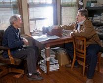 Clint Eastwood übt mit John Goodman Stühle anzuschreien